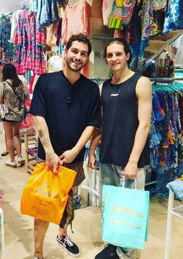 Tommaso Zorzi e Tommaso Stanzani fanno shopping da Antica Sartoria